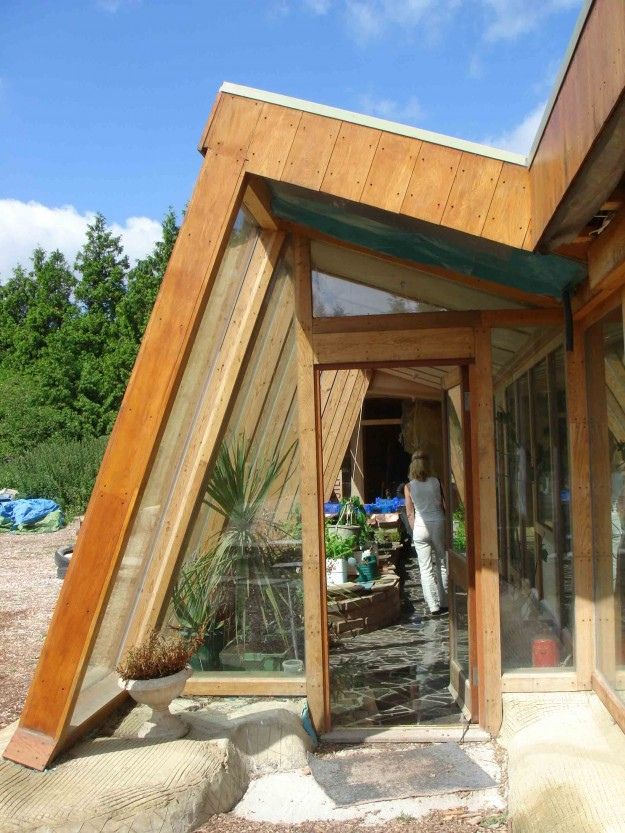 Brighton Earthship Picture1 625x833 10 Reasons Why EarthShips Are F!#%ing Awesome