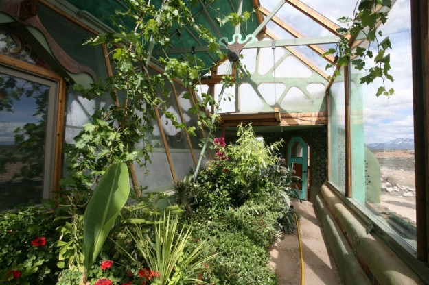 earthships 7 960x6401 625x416 10 Reasons Why EarthShips Are F!#%ing Awesome